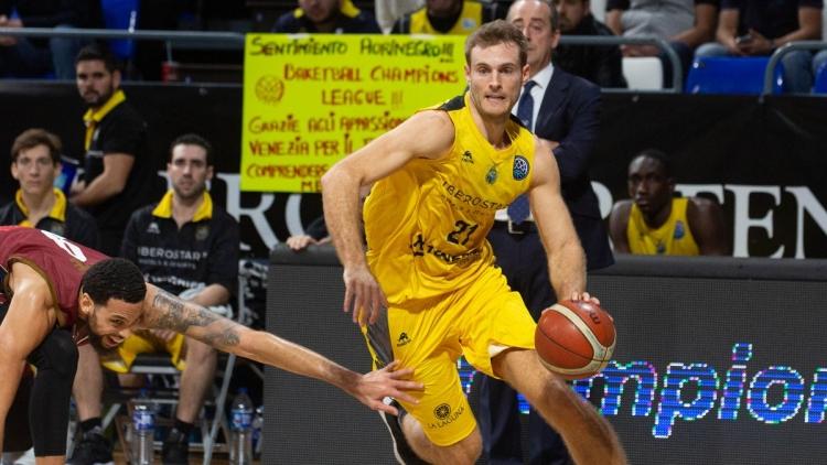 Ο Αμπρομάιτις MVP των προημιτελικών του Basketball Champions League