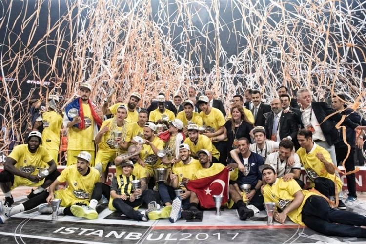 Όταν η Φενερμπαχτσέ κατακτούσε την Euroleague νικώντας τον Ολυμπιακό (vid)